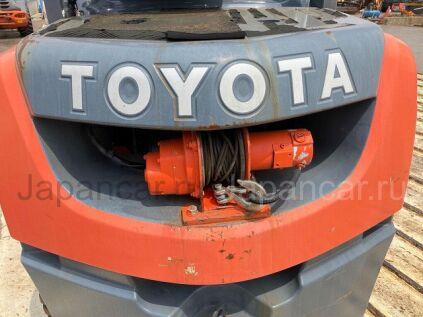 Погрузчик вилочный Toyota FORKLIFT 50-8FD30 2011 года во Владивостоке