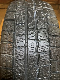 Зимние шины Dunlop Winter maxx wm01 195/65 15 дюймов б/у во Владивостоке
